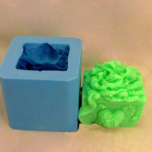 Silikonová formička - 3D zdobená kostka/truhla