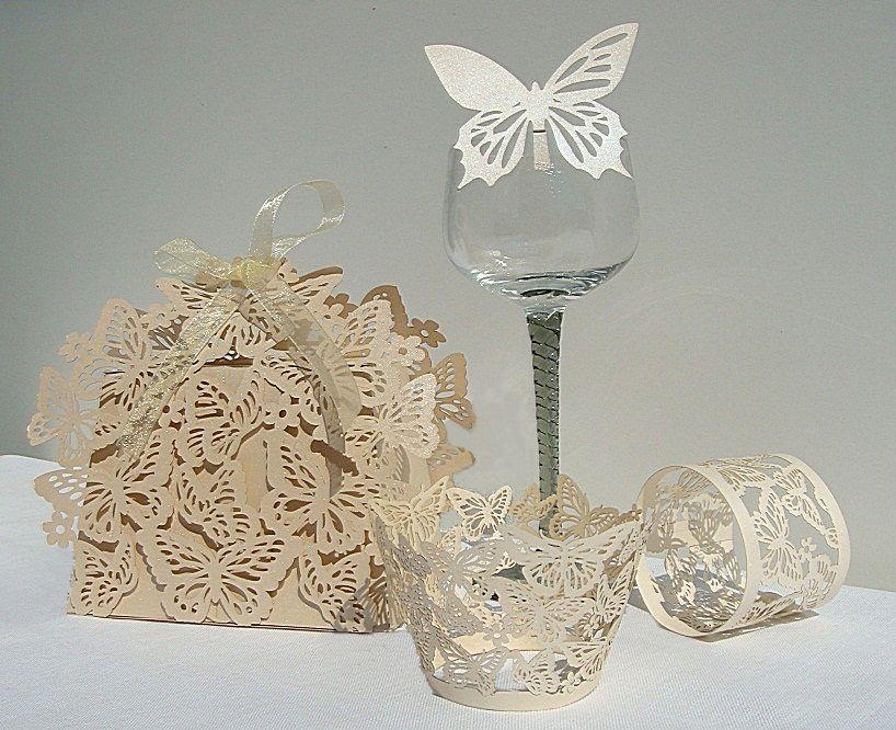 Krabička na výslužku, dekor motýl, krémová