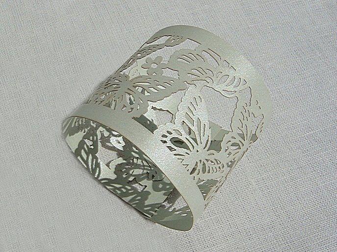 Pásek na ubrousky - dekor motýlci; světle zelená - 12ks